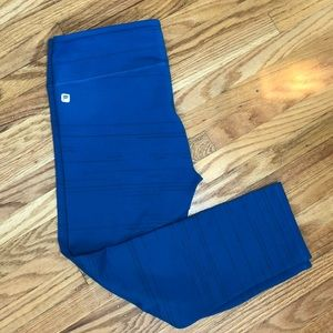 Fabletics Blue Capri Leggings size S